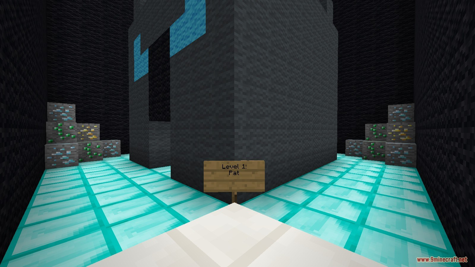 PopularMMOs Find The Button Map Screenshots (3)